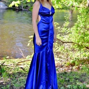 Open back mermaid bottom prom dress